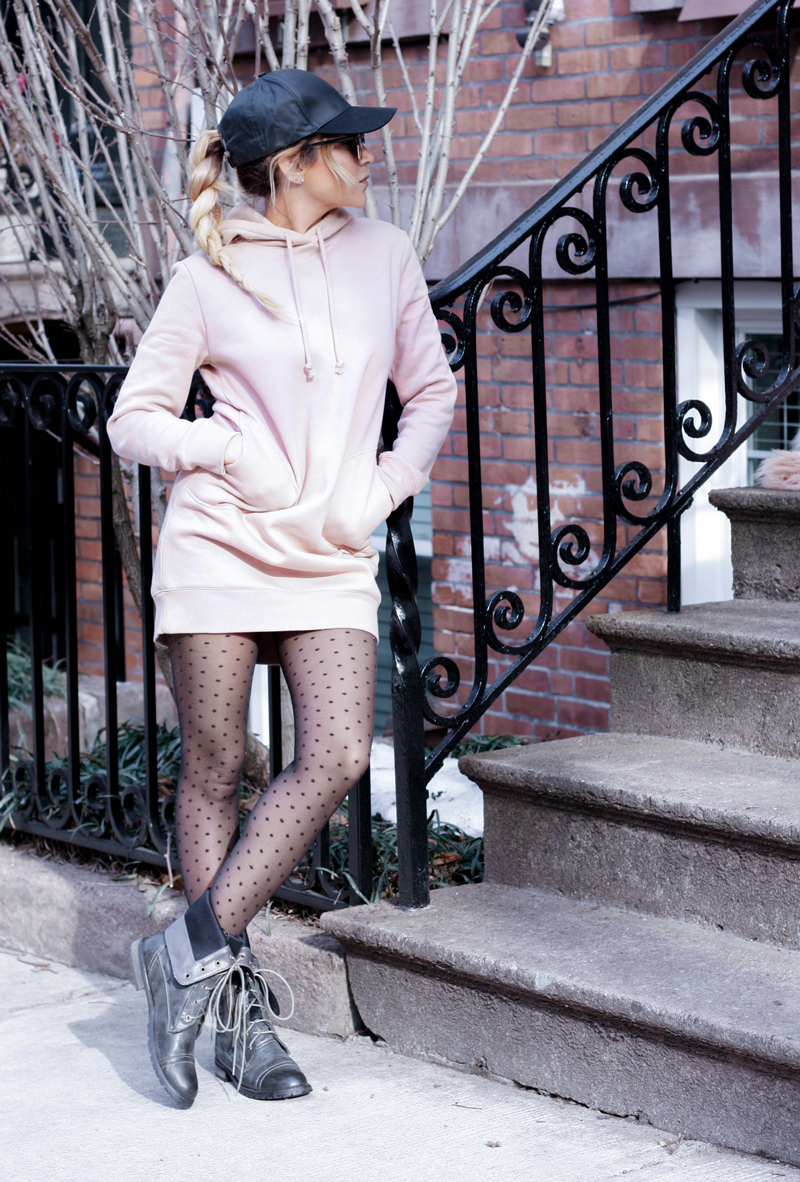 How to Wear Patterned Tights - Quartz & Leisure