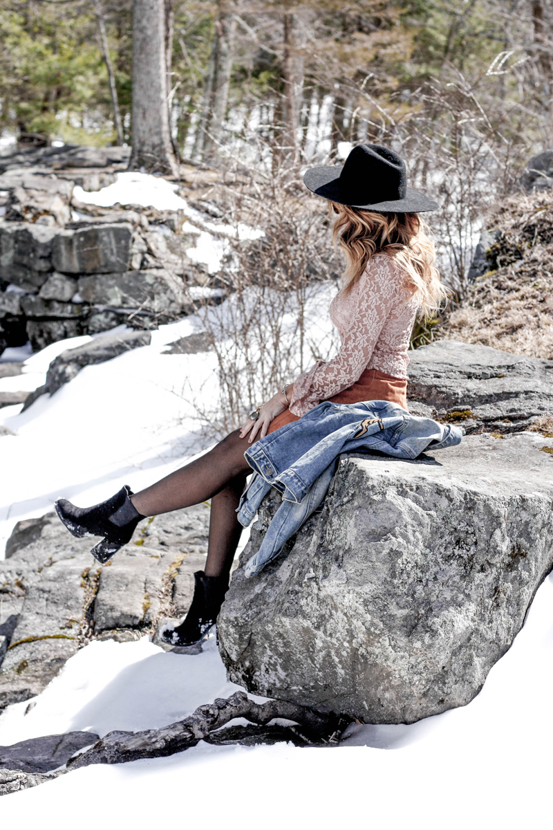 How to Wear Festival Style in Cold Weather - Quartz & Leisure