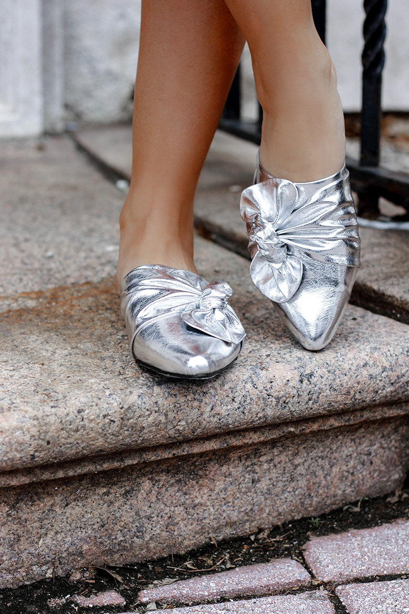 Metallic Silver Slides - Quartz & Leisure