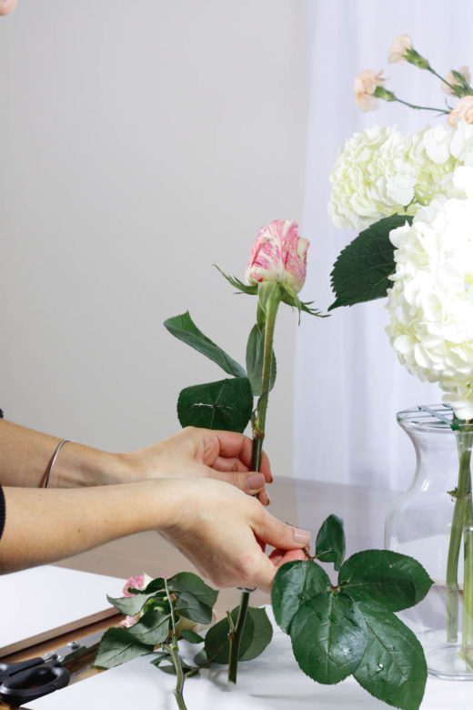 How to Arrange Flowers Like a Pro - Quartz & Leisure