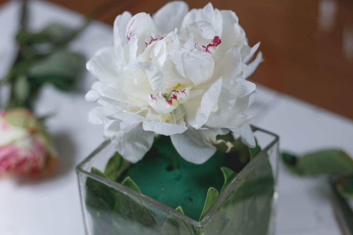 How to Arrange Flowers Like a Pro-Part 2 - Quartz & Leisure