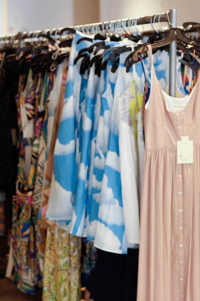 How to Shop a Sample Sale Like a Pro - Quartz & Leisure