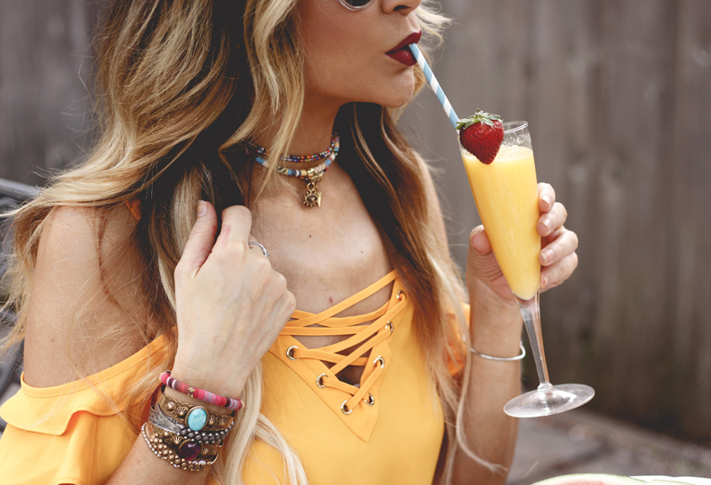 How to Add Color to Your Wardrobe - Quartz & Leisure