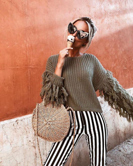 Chunky Sweater Straw Bag